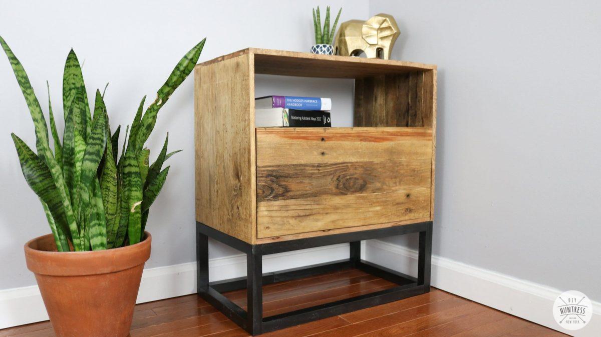 Diy Reclaimed Pallet Wood Nightstand